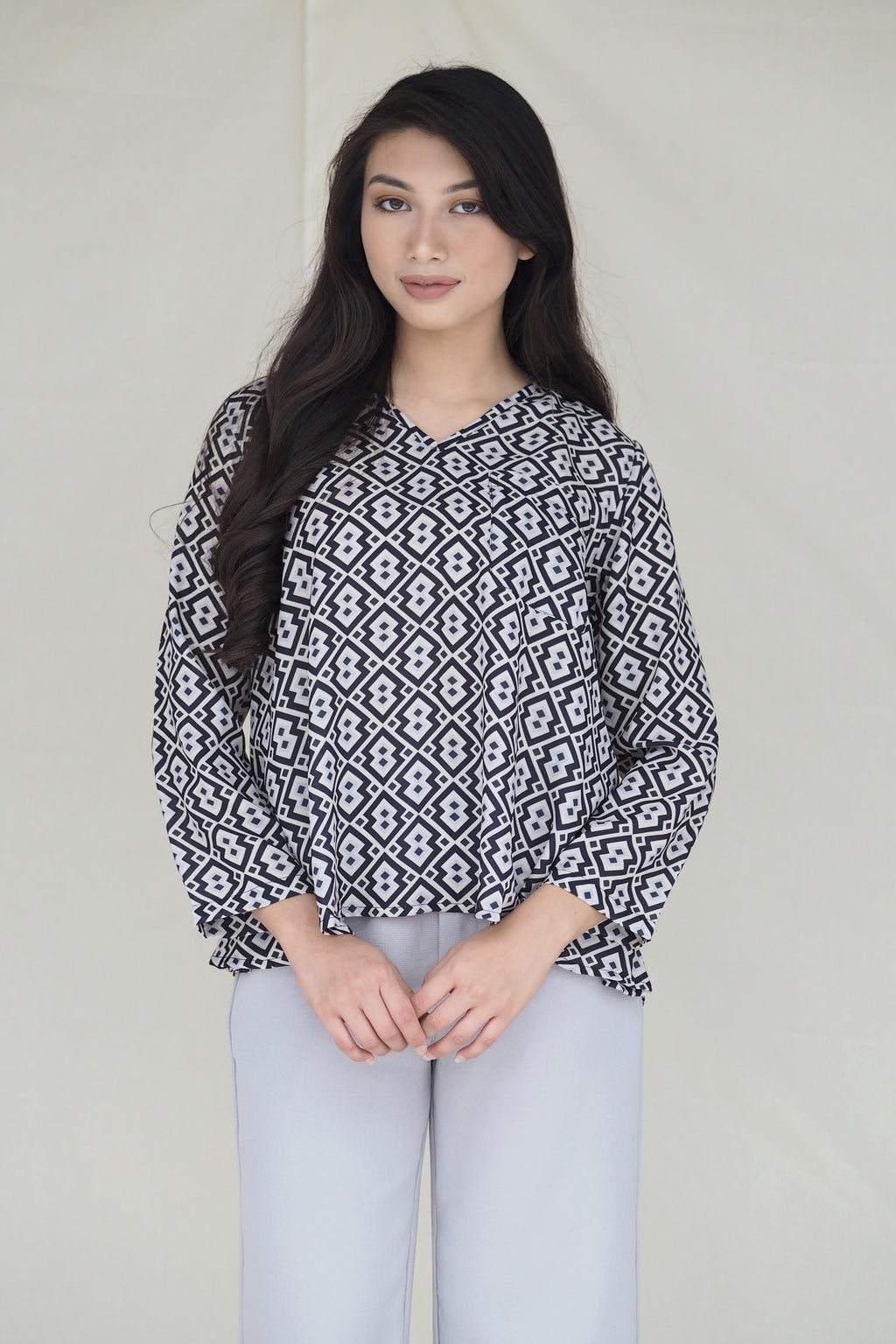 Marcella Printed Top Geo Black