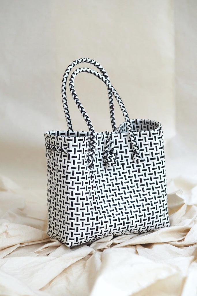 Anyaman Plastic Tote  Extra Small White
