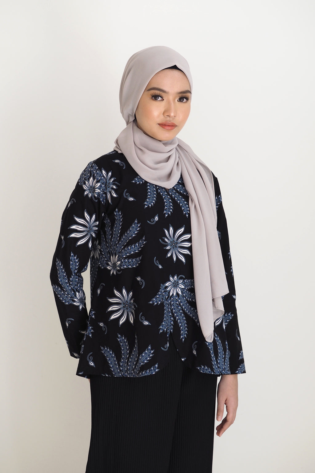 Mia Batik Top Floral Blue