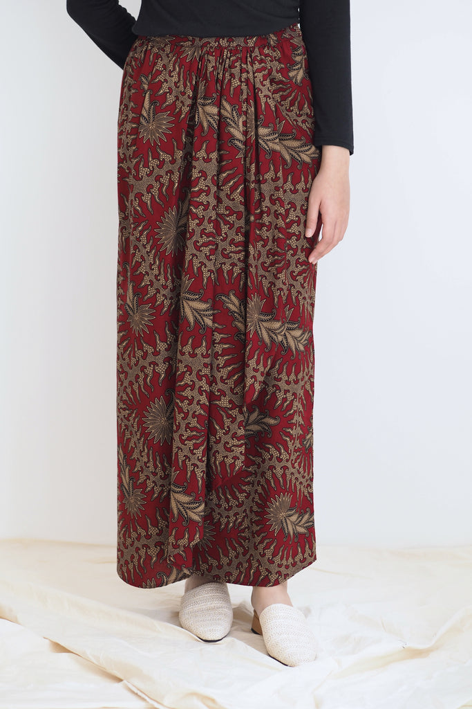 Melur Pareo Batik Skirt Leaf Red