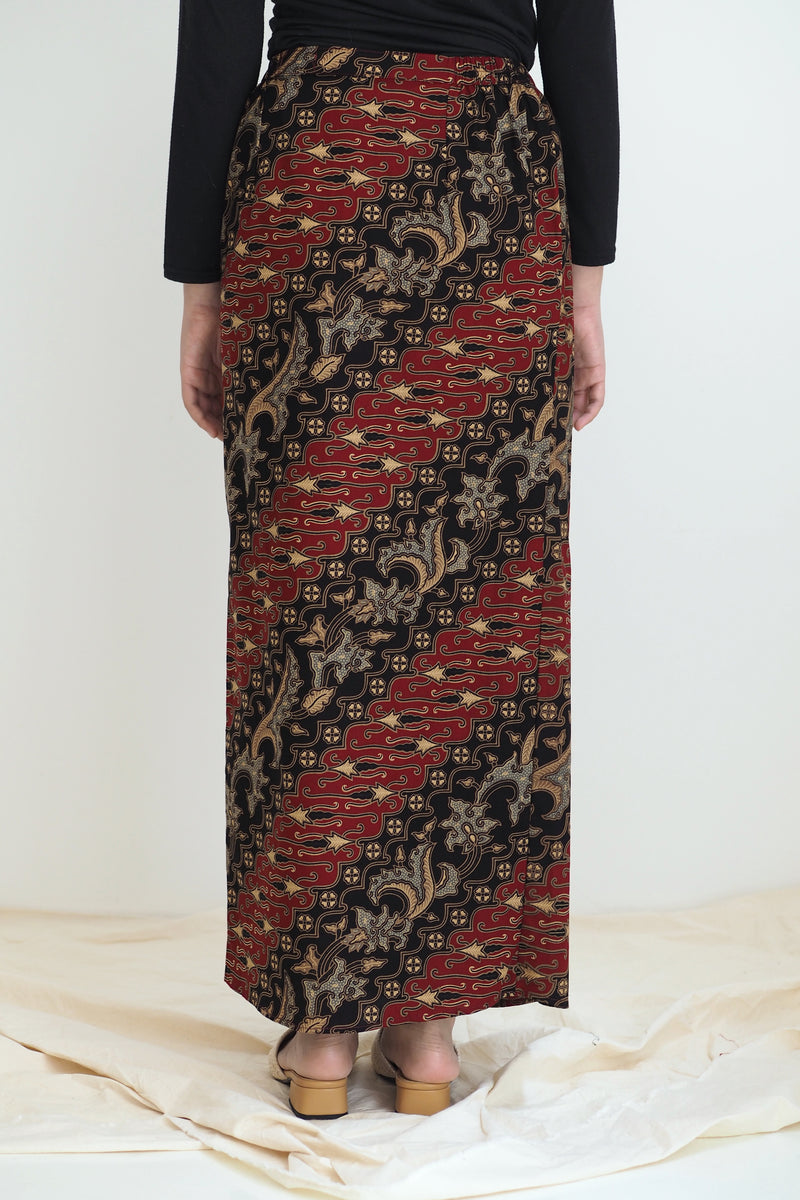 Melur Pareo Batik Skirt Klasik Red