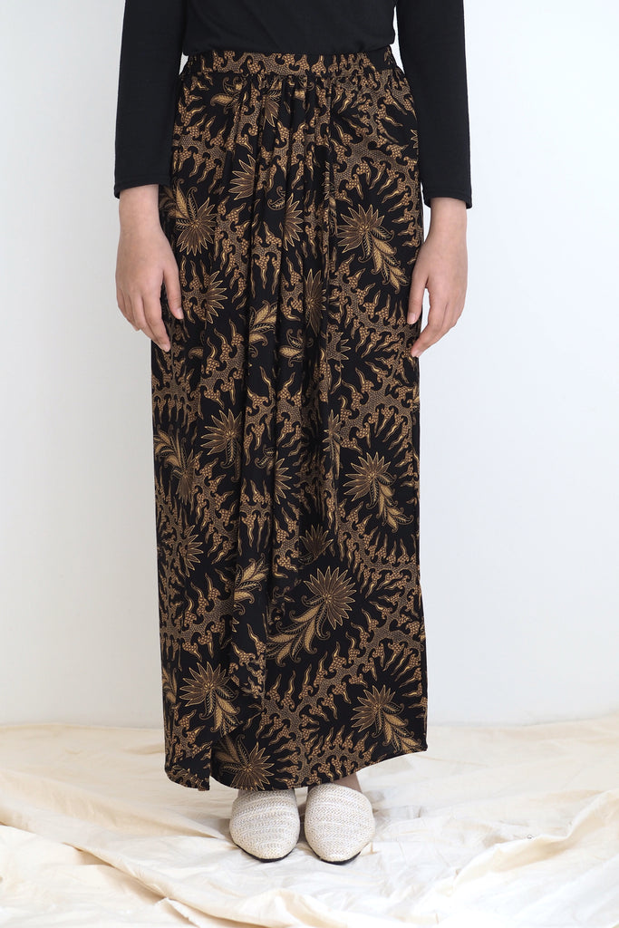Melur Pareo Batik Skirt Leaf Brown