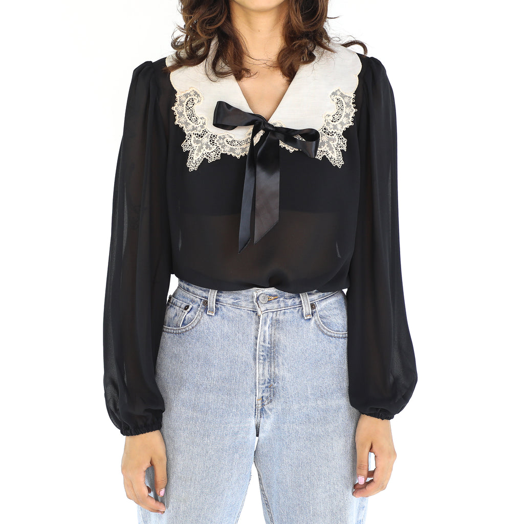 Black and  White Lace Collar 70's Blouse