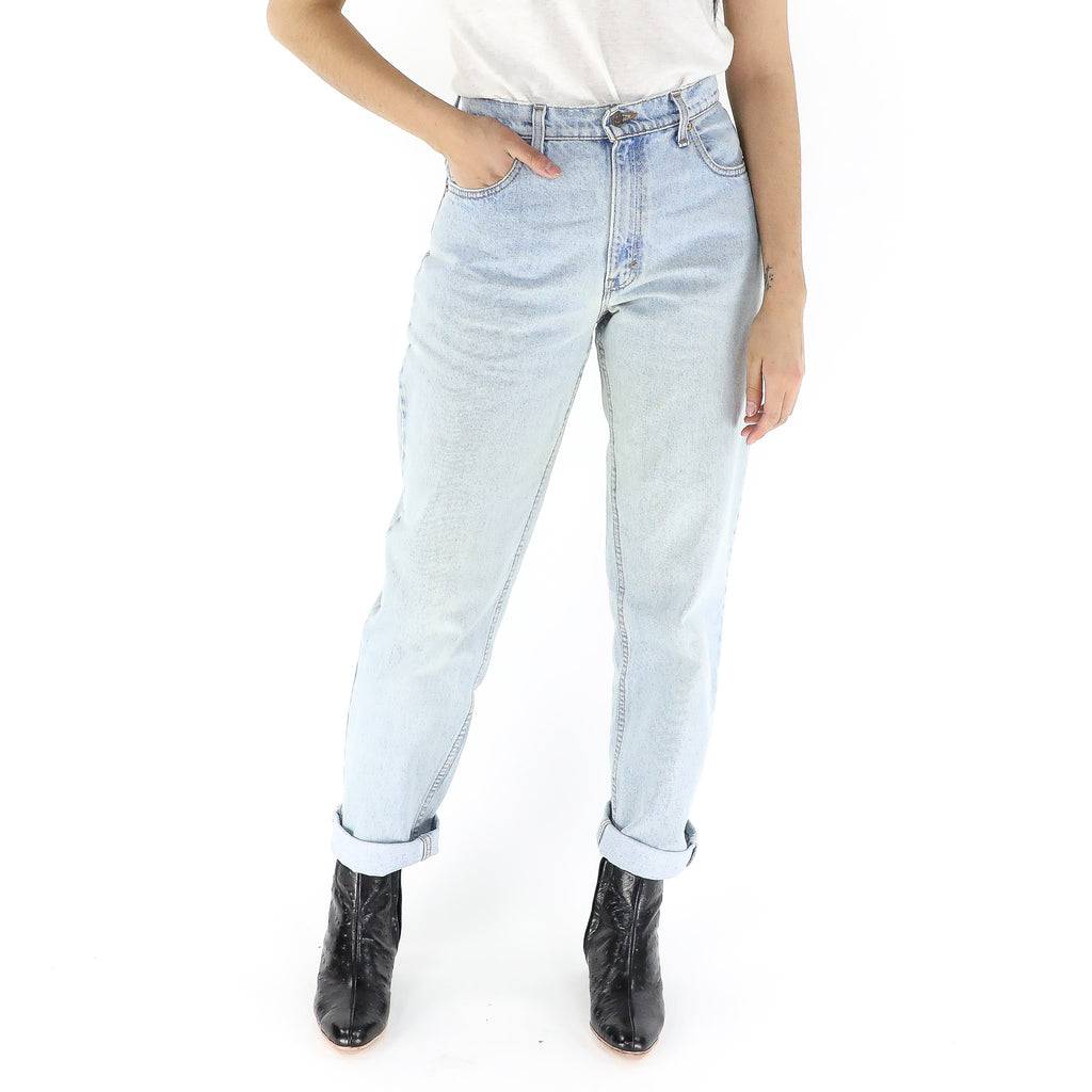 Light Washed Levi's Mom Jeans