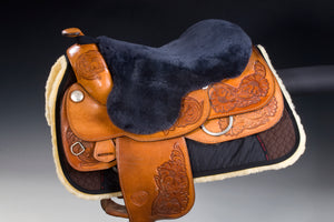 Arctic horse sheepskin saddle seat saver endurance western riding christ lammfelle horsedream importers