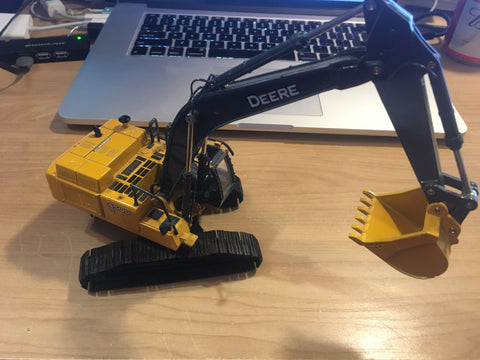 1/50 - USED DEERE 450D LC EXCAVATOR HIGH DETAIL DISCONTINUED