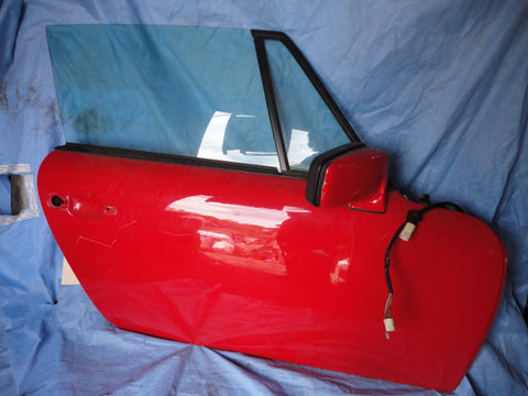 911 Door Cabriolet 1989 right passenger red some light  1 Deep scratch, glass,  mirror, wiring plugs for mirror and door, weathershield plastic intact OVAL access hole era - 911.531.006.23