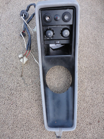 911 Center Console Grey leatherette -89 has A/C, rear defrost, hazard and central lock switches and wiring  911.552.227.01 - 911.552.030.50