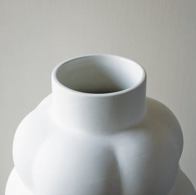 Louise Roe Ceramic Balloon Vase 04 - Hops Petunia Floral