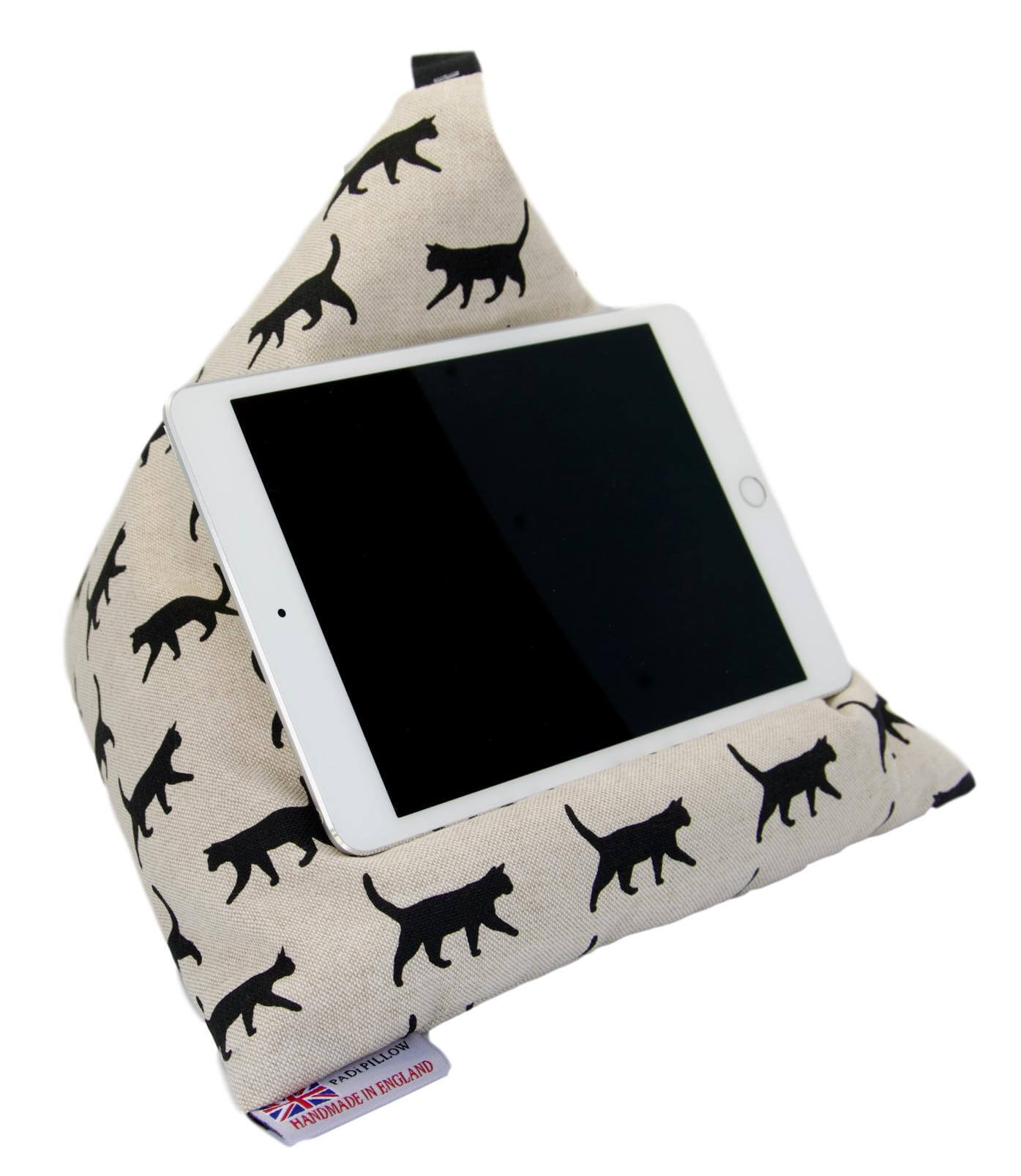 Black Cat Walking PADi Pillow Tablet Stand