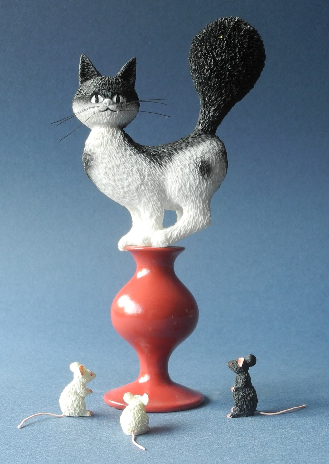 Dubout Cats - Escape Plan Cat Figurine