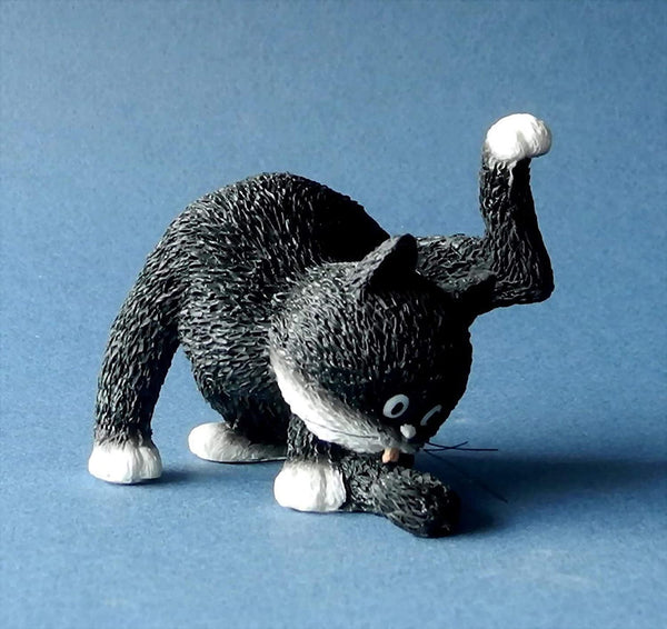 Dubout Cats - Grooming Time Cat Figurine