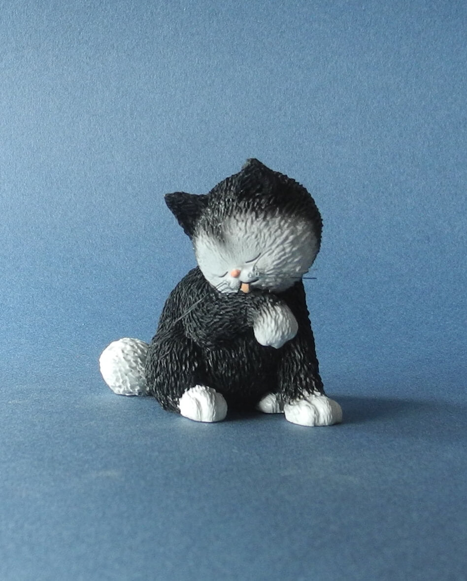 Dubout Cats - Kitty Wash Cat Figurine