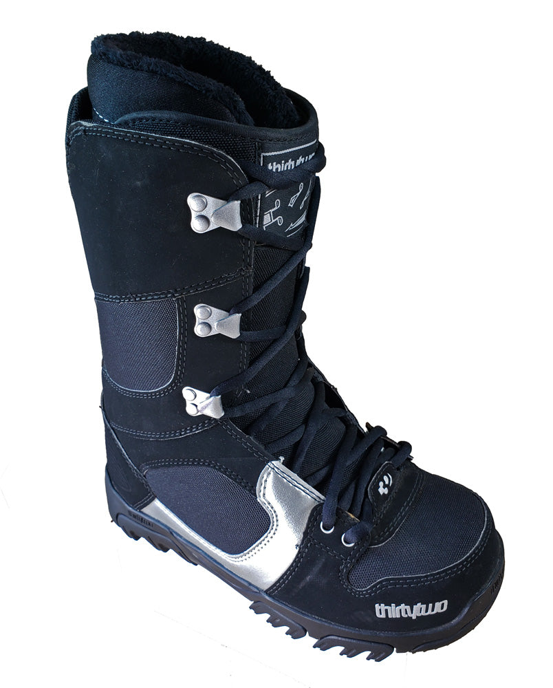32 Prion Snowboard *Blem* Boots Womens Size 7.