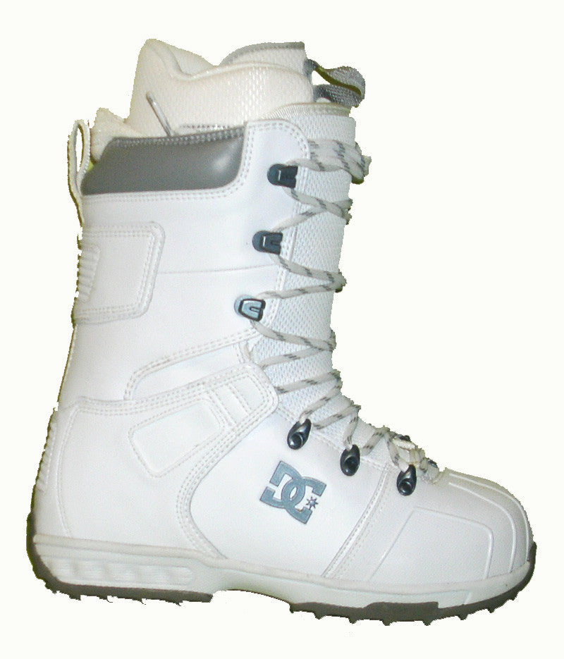 dc field lace snowboard boots mens size 5 equals womens 6