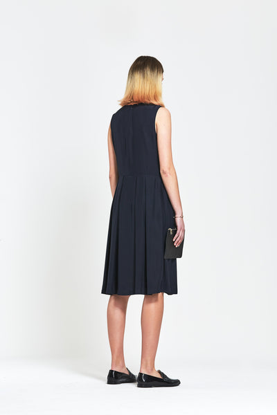 Premium Silk 'Hana' Pleated Sleeveless Dress - clémence