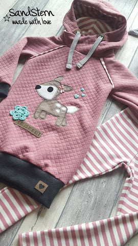 "Applikationsvorlage ""Rehlein"" - Tilu Design - Applizieren leicht gemacht - Reh - Waldtiere - Hirsch - Applikation kombiniert mit dem Monatsknaller Ringel-Jersey ""White Stripes"" & Jersey-Stepper/Stepp-Jersey ""Little Star"", sowie Double Gauze/Musselin - Shirt - Pulli - Nähen - eBook & Stoff - Glückpunkt."