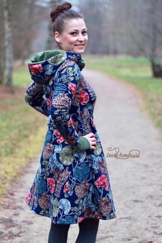 "Stepper/Stepp-Sweat - ""Nature Leaves"" kombiniert mit Strick-Jersey - ""Konfetti"" - meliert genäht wurde Kleid ""Kuschelkleid"" von AnniNanni - Nähen für den Herbst/Winter - Damen - eBook & Stoff - Glückpunkt."