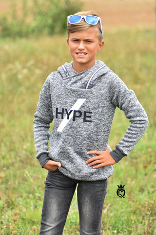 "Strick-Sweat ""New Moonie"" genäht wurde ""Hoody Kids"" von Lybstes. - Pulli/Pullover - Plotterdatei/Plott ""Hype Deinen Style"" von Daddy2Design - Plotten/Nähen für Kinder/Jungen - Stoff & Schnitt - Glückpunkt."