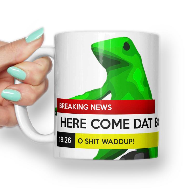 Here comes dat boi,  Frog breaking news Mug