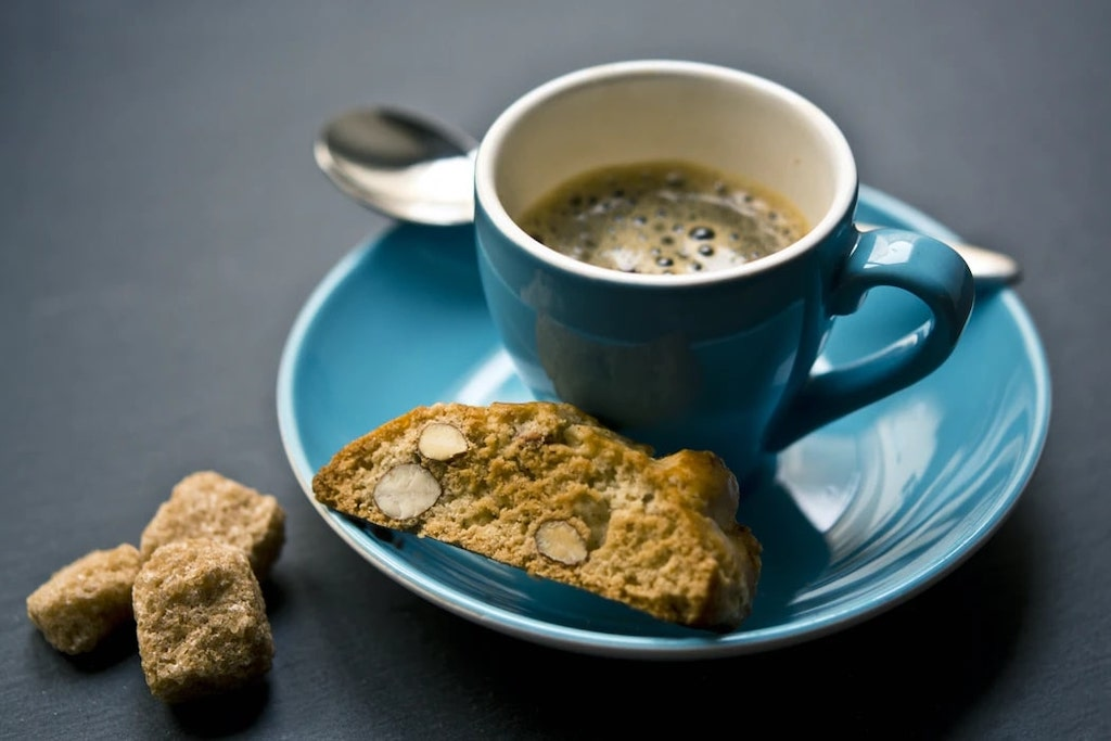 Best Drinks to Pair With Biscotti
