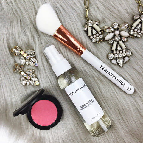 GLOWING Mini Makeover Trio Kit