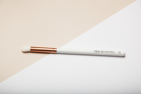 Vegan Medium Eye Blending Brush 10 (Rose Gold)