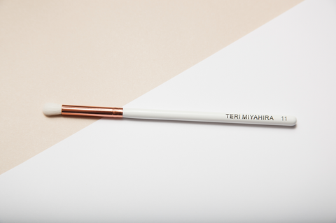 Vegan Small Eye Blending Brush 11 (Rose Gold)