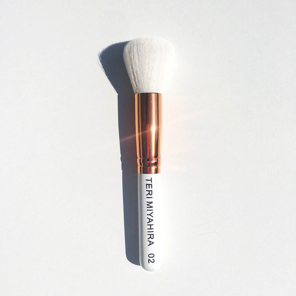 Vegan Medium Multi Face Brush 02 (Rose Gold)