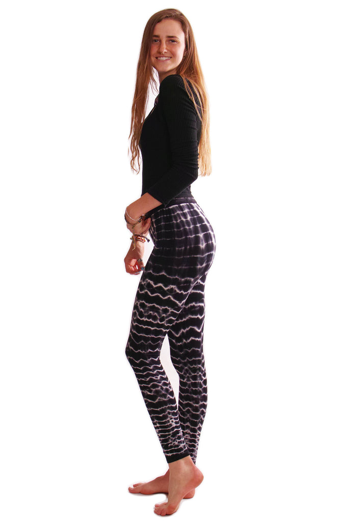 Black Melting Stripes Tie Dye Leggings - Tie Dye Leggings