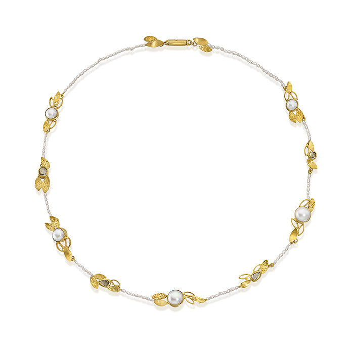 Seed pearls and diamonds necklace