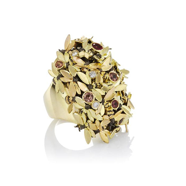 18ct gold ring with bees