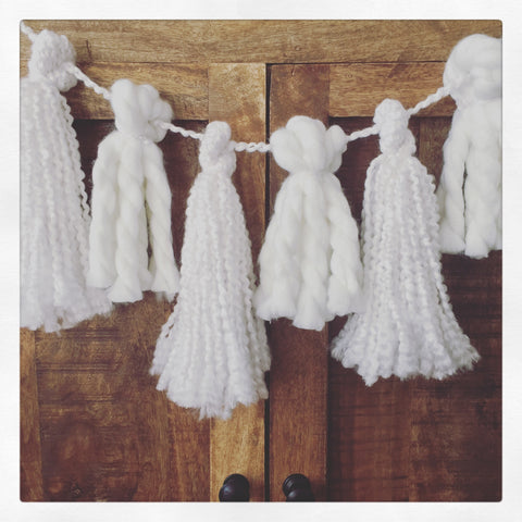 Curly White Tassel Garland