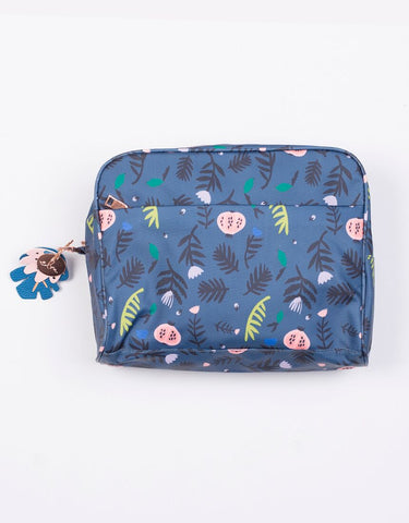 Winter Jungle Wash Bag