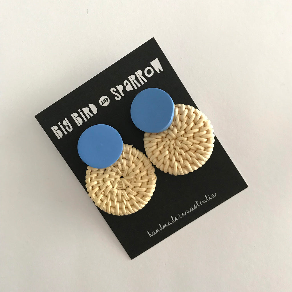 beach edit | straw statement stud I cornflower