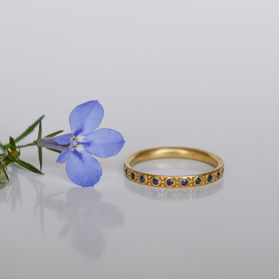 Band Ring - 18k solid gold & Sapphires