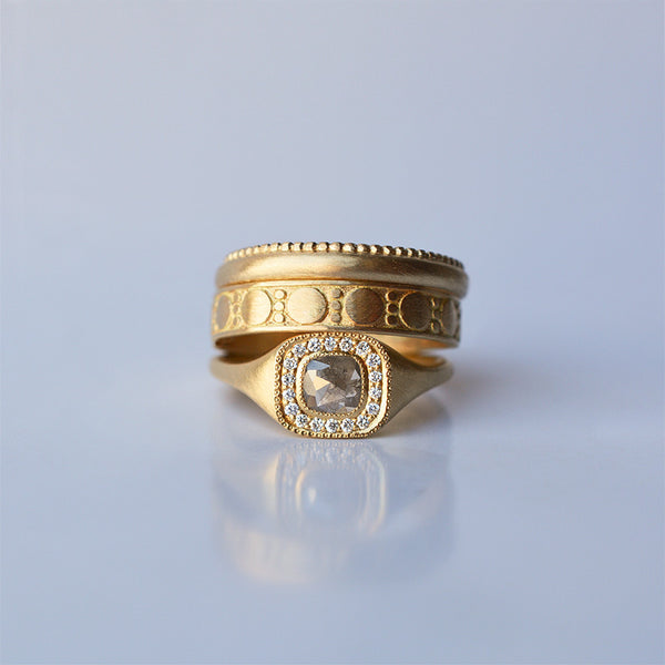 Cushion Diamond ring - 18k solid gold & Diamonds