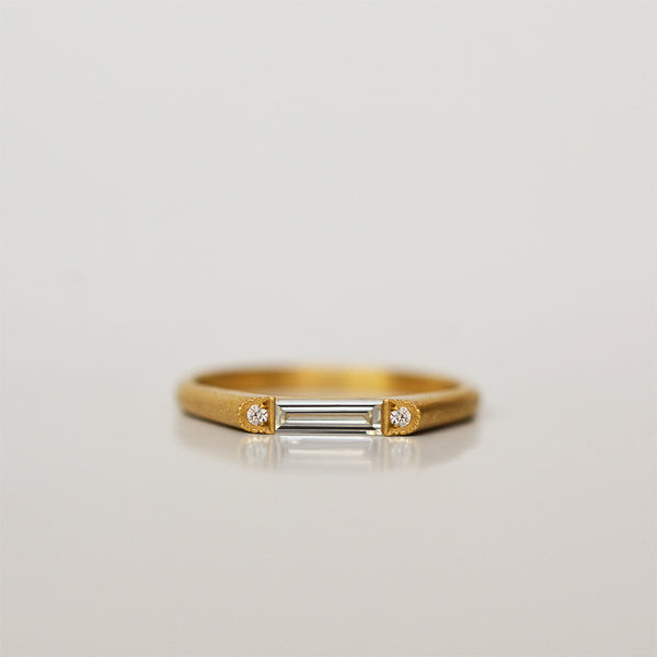 Neon Ring - 18k gold & Diamonds
