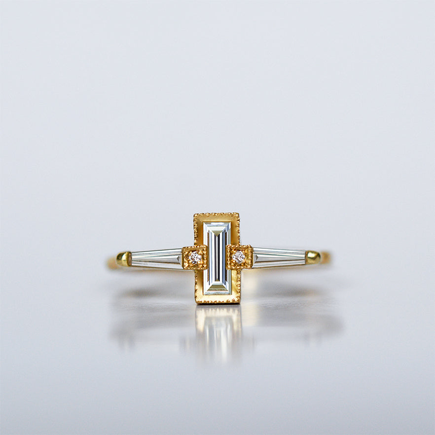 Floating Taper Ring - 18k gold & Diamonds