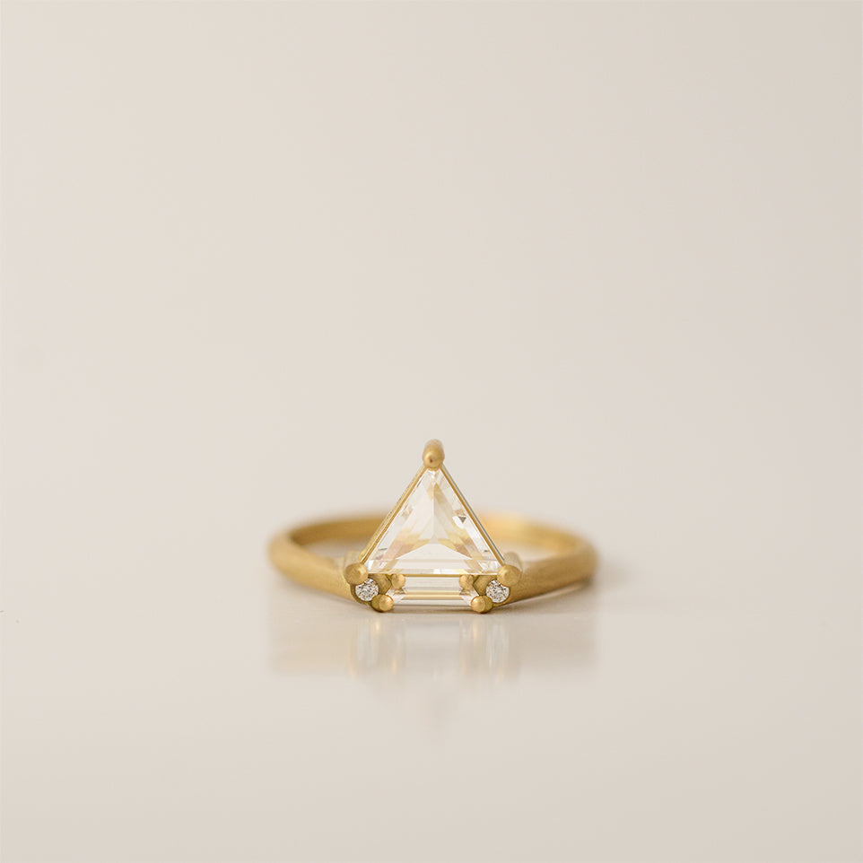 White Trillion Ring - 18k gold & Diamonds