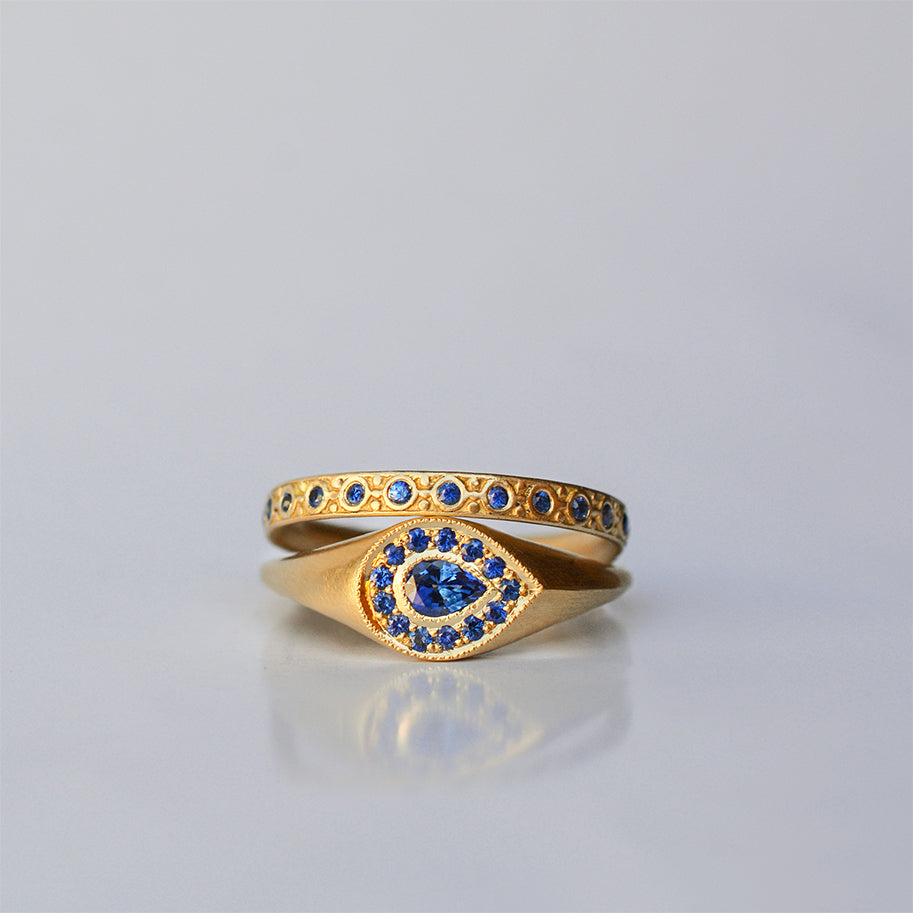 Halo Drop ring - 18k solid gold & Sapphires