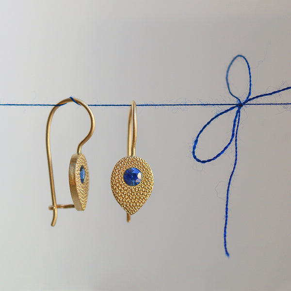 Drop earrings - 18k solid gold & Sapphire.