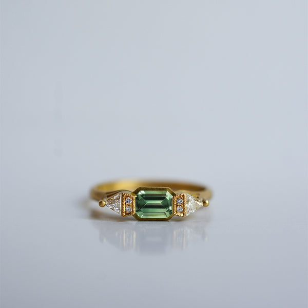 Butterfly Ring - 18k gold with Green Sapphire & diamonds