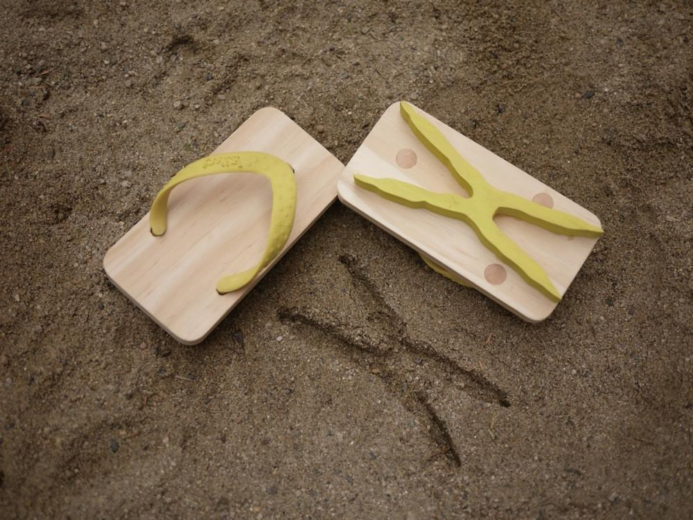 Wooden Animal Foot Print Flip Flop Owl