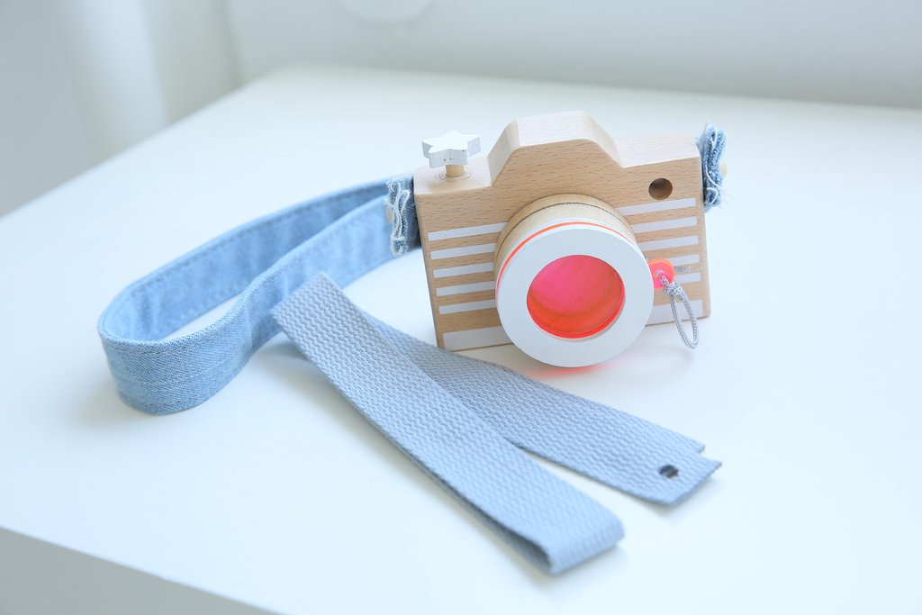 Wooden Camera Pink with a Kaleidoscope Lens & Denim Strap