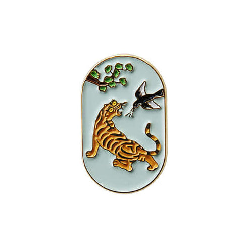 Fortune Badge Pin in Tiger and Magpie