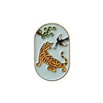 Oimu Fortune Badge Pin in Tiger and Magpie