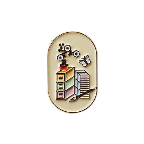 Oimu Fortune Badge Pin in Scholar's Accoutrements