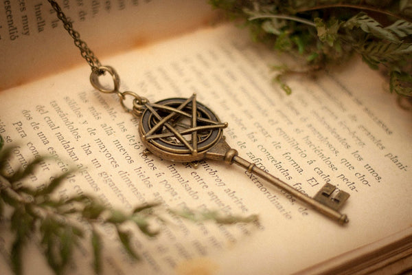 Collar Llave Wicca