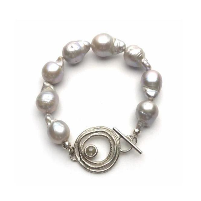Baroque Pearl Bracelet with Diamond Clasp - Cynabar